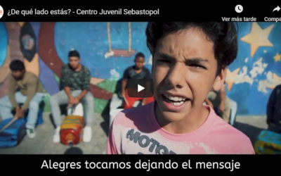Adolescentes cantan contra la violencia de género